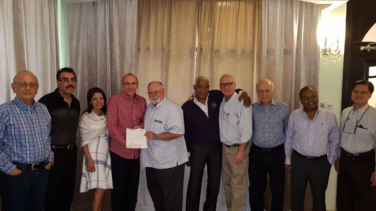 Donation to the Cristóbal - Colón Rotary Club
